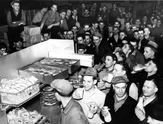 Dodge Main Lunch. Image courtesy WP Reuther Library, Wayne State