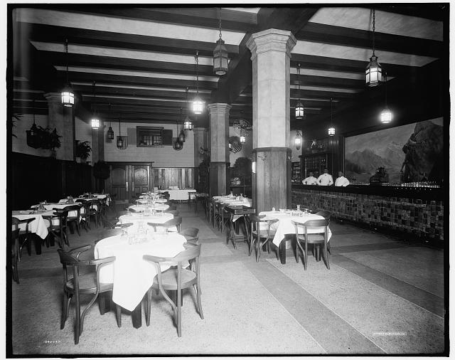 Eidelweiss Cafe, sometime between 1905 and 1915. Library of Congress Archives