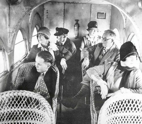 airplane passengers 1920s